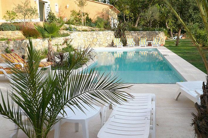 Chambres d hote saint tropez piscine grimaud la for Piscine saint tropez